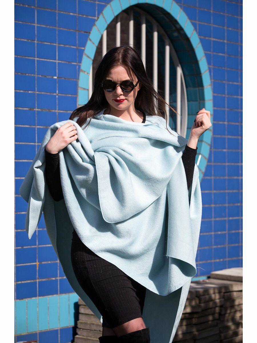 Licht turquoise flausch-wollen omslagdoek / cape Dames > Omslagdoeken & Cape's > Effen Omslagdoeken & Cape's maat  van  snel en voordelig in huis? Hier lukt het direct