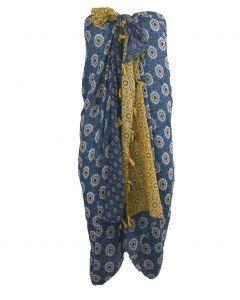 Pareo met ornament print in blauw en geel