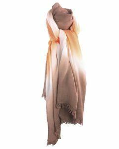 Luchtige sjaal met kleurverloop in oranje