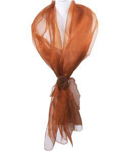 Cognac kleurige organza stola met corsage / strikband