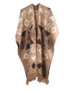Camelkleurige gebreide cape / omslagdoek met franjes