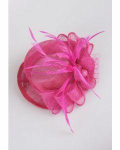 Cerise roze sinamay haaraccessoire op clips