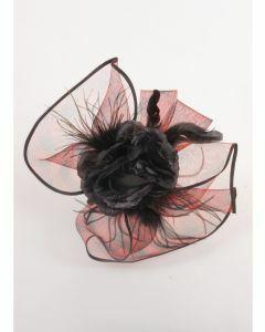 Rood-zwarte haaraccessoire met bloem, veren en gaas