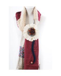 Patchwork handicraft sjaal, hoofdkleur donkerrood en ecru