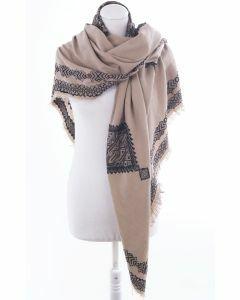 Grote camelkleurige vierkante sjaal met borduursels en patch