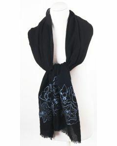 Zwarte wollen sjaal met lichtblauwe geborduurde bloemen