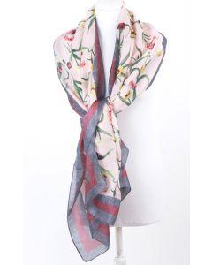 Lichtroze zijden sjaal met bloemenprint