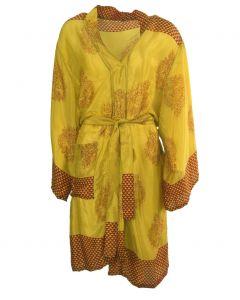 Gele zijden kimono met ornament print in rood