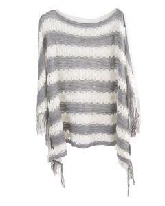 Gehaakte poncho in grijs en wit