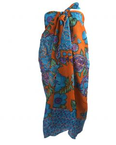 Oranje sarong met bloemenprint in donker turquoise