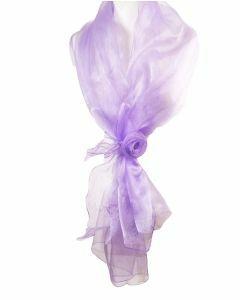 Licht lila organza stola met rozencorsage