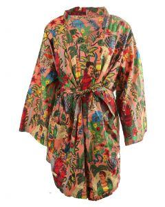 Korte lichtroze katoenen kimono met Frida Kahlo print