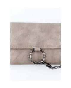 Taupe kleurige portemonnee met metallic ketting