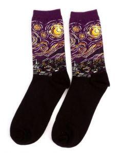 Paarse sokken met ''Sterrennacht'' van Vincent van Gogh