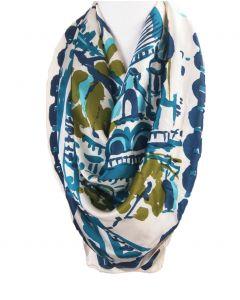 Ivoorkleurige silk touch shawl met landschap print