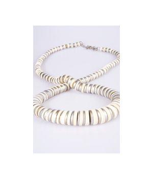 Ivoor/zilverkleurige houten halsketting