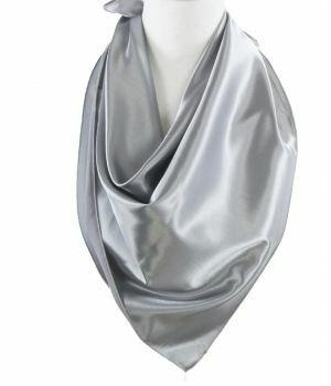 Vierkante satijnen sjaal in grijs