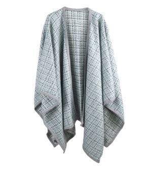 Zacht mintgroene bouclé cape / omslagdoek