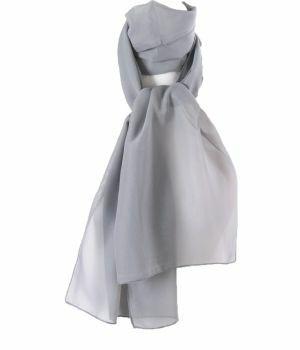 Lichtgrijze crêpe sjaal