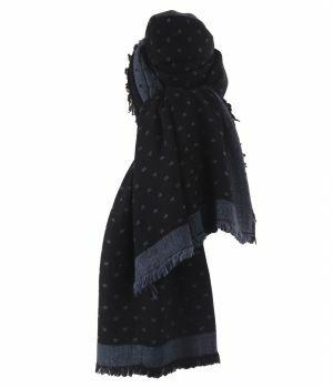 Fijn geweven sjaal in grijs met blokjes patroon in jeansblauw