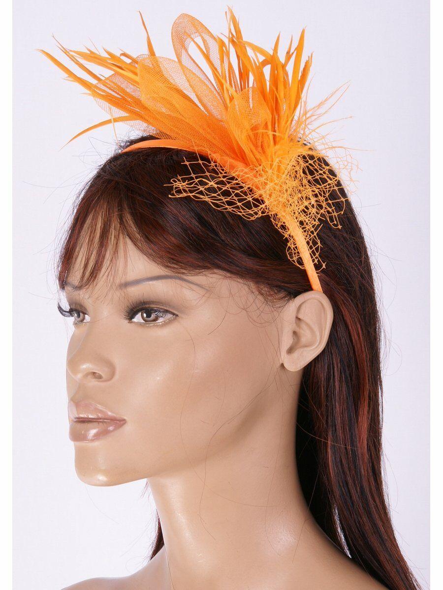 Oranje diadeem met tule en plumes de coq
