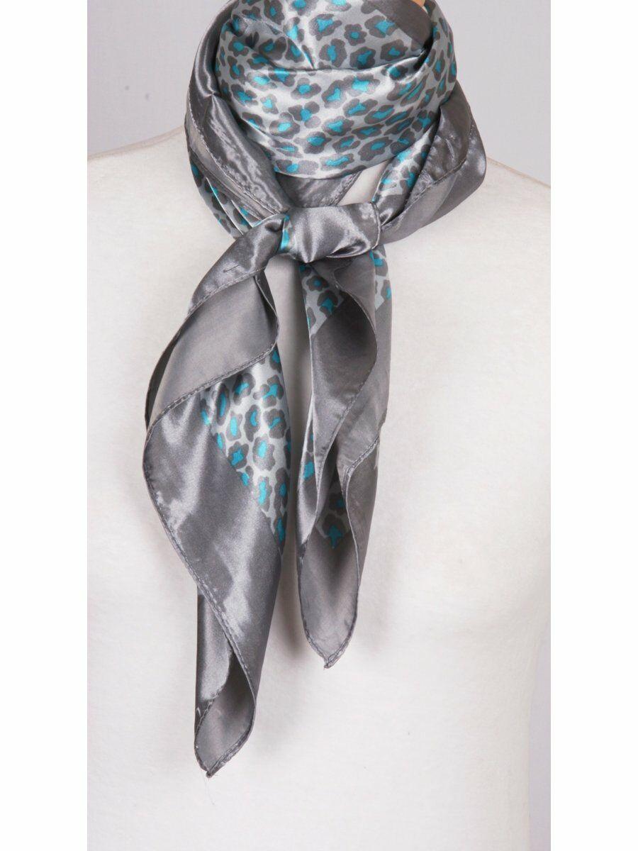 Zilvergrijze satijnen sjaal met zeegroene panterprint