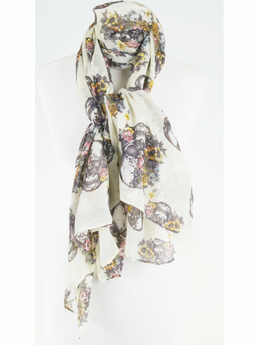 Ivoorkleurige sjaal met doodshoofd motief