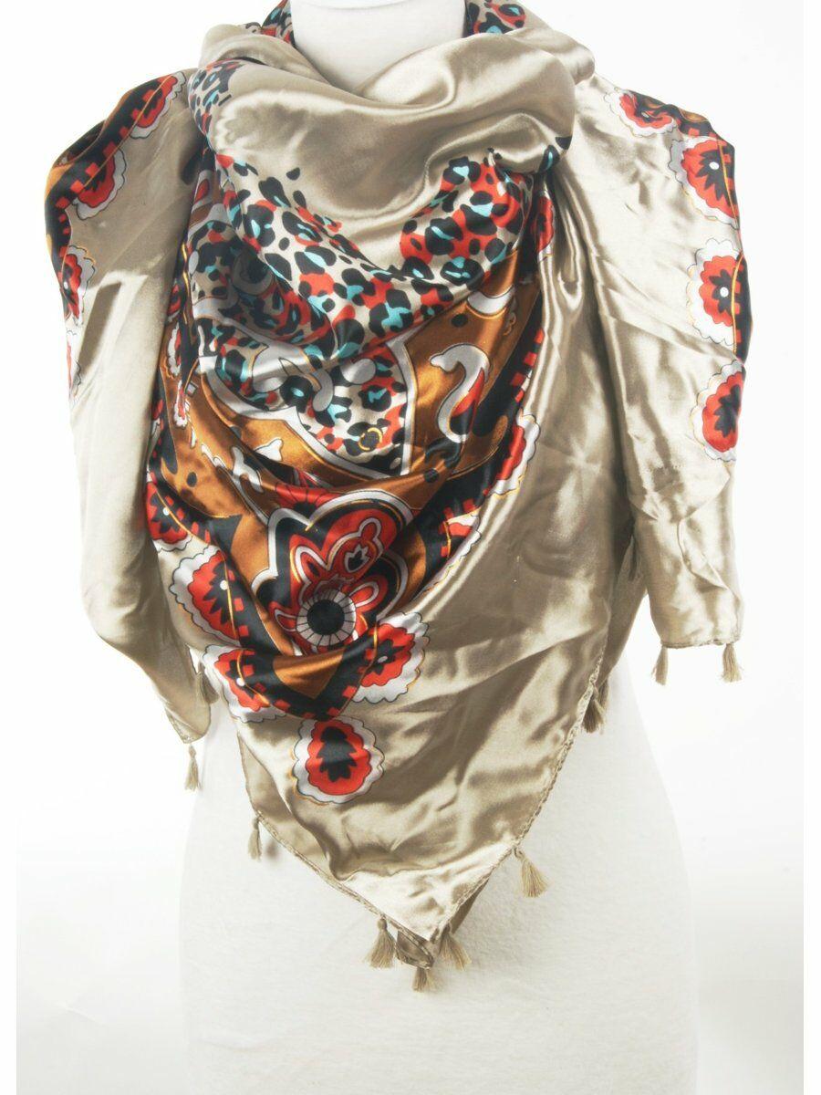 champagne kleurige sjaal met fanatasie-paisley print