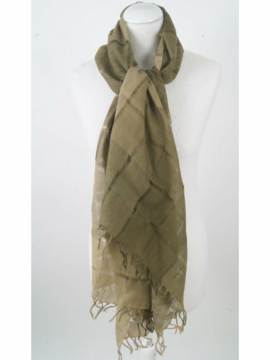 Luchtige sjaal in tinten legergroen en olijf