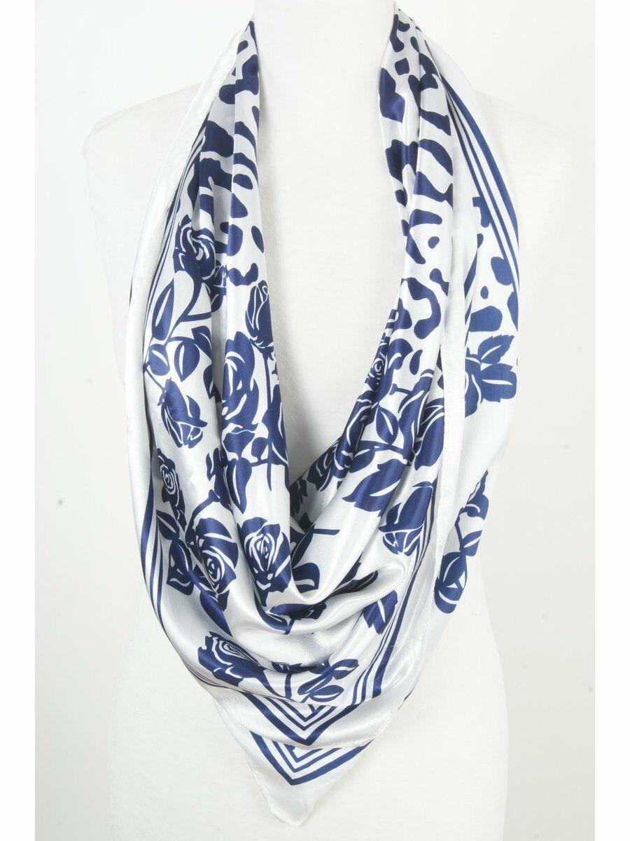 Vierkante wit-blauwe satijnen sjaal Dames > Sjaals > Polysatijnen sjaals maat  van  snel en voordelig in huis? Hier lukt het direct