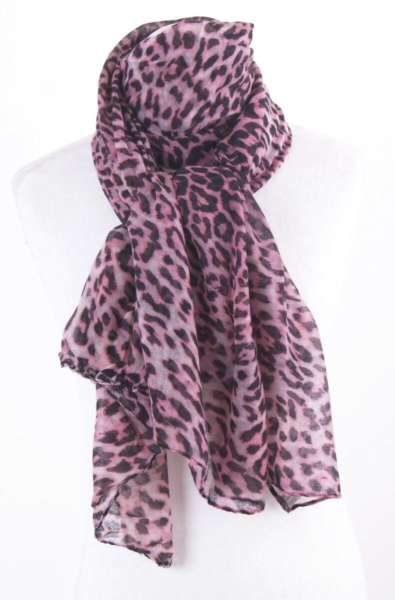 Roze sjaal met zwarte panterprint